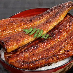 アマゾン特選タイムセールで肉厚タップリの特大サイズの国産うなぎ蒲焼き3種組み合わせセット 約300gがセール中。