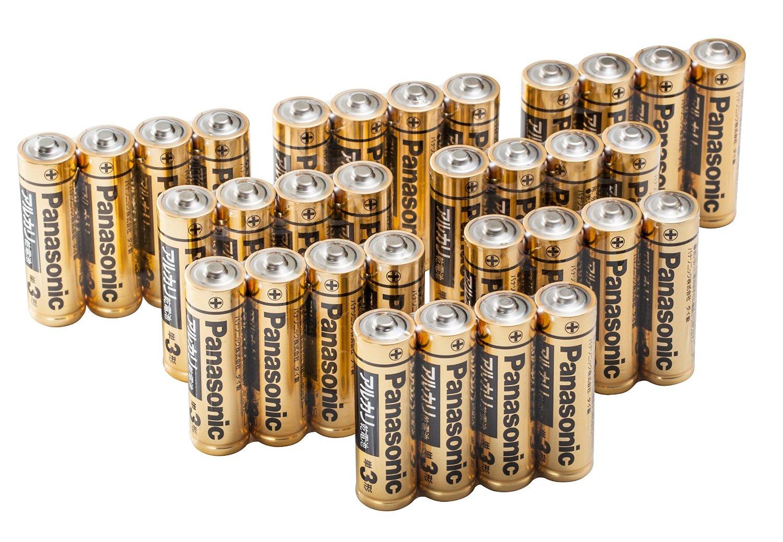 アマゾン特選タイムセールでパナソニック 単3形/単4形アルカリ乾電池 32本パックが1184円。ダイソーより高く、性能で負ける。