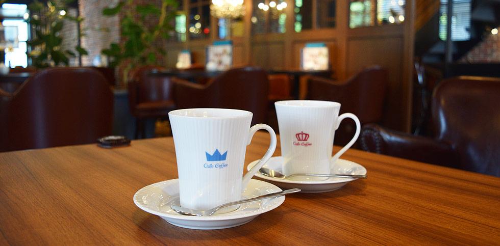 【写真レビュー】五反田オスロコーヒーのモーニングに行ってきた。600円でスモークサーモンサラダのワッフルサンド+コーヒー1杯。これうまい・・・のか?