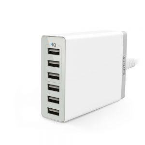 アマゾンタイムセールでAnker PowerPort 6 Lite (30W 6ポート USB急速充電器) が投げ売り予定。