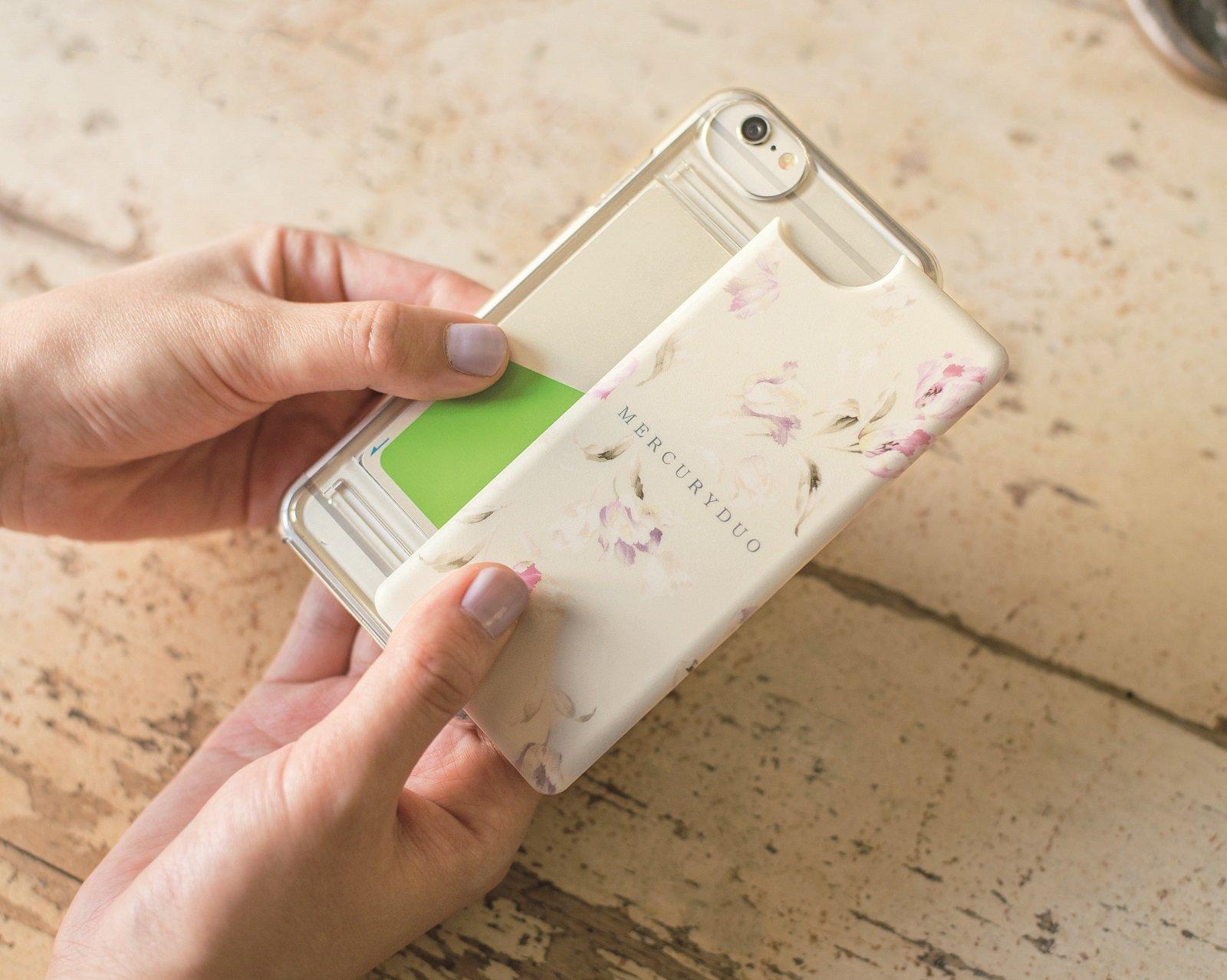 アマゾンでMERCURYDUO チューリップ スマートフォンケースBOOK 大人の女性向けiPhone6/7を買うと付録で雑誌が付いてくる。1/16~。