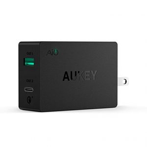 アマゾンタイムセールで、AUKEY 2ポートUSB-ACスマホUSB充電器 USB-C対応、PA-Y2が2,399円⇒1,919円。