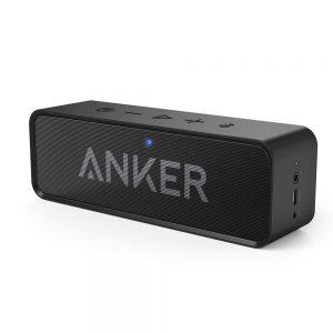 アマゾンでAUKEY bluetoothスピーカー ワイヤレスステレオスピーカー 内蔵マイク SK-M18が半額となる割引クーポンコードを配信中。