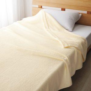 【本日限定】楽天のニッセンで毛羽が落ちにくい新疆綿100%ボリュームタオルケットが324円送料別。
