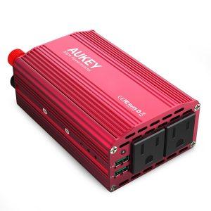 アマゾンでAUKEY カーインバーター 300W 車載充電器 PA-V17が半額となる割引クーポンコードを配信中。