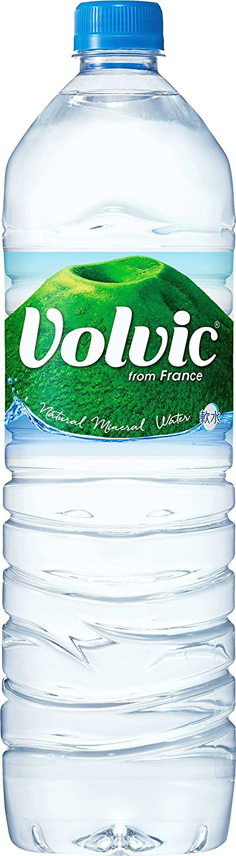 アマゾンタイムセールでキリン Volvic(ボルヴィック) PET (1500ml×12本) が2696円⇒1247円、1本104円。
