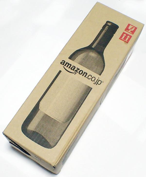 アマゾンで1000円のワインを買ったらやたら気合入ったパッケージで届いたぞ。デリバリープロバイダではなくヤマト宅急便で配達へ。