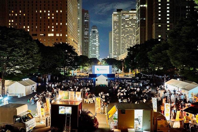川崎競馬場や新宿中央公園でバック・トゥ・ザ・フューチャーやワイルド・スピードなどが野外無料上映中。7/25~7/28。