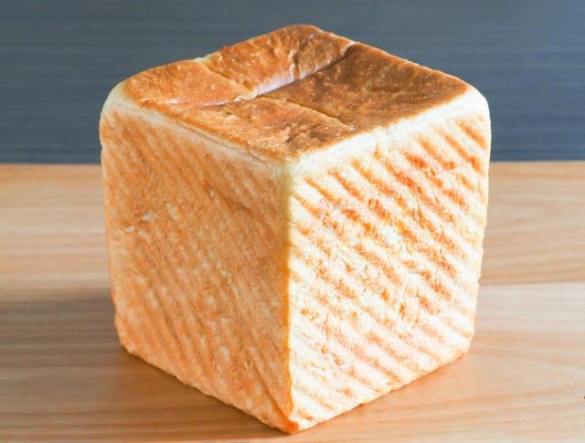 グランツリー武蔵小杉に「俺のBakery&Cafe」がオープン記念で「銀座の食パン」が合計3000名に貰える。7/31~8/2。