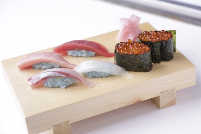 ビッグローブが2日間限定の寿司屋「大地球寿司」を東京・六本木にオープン。15分400円で6貫おまかせが食べ放題。10/19~10/20。13時~20時。