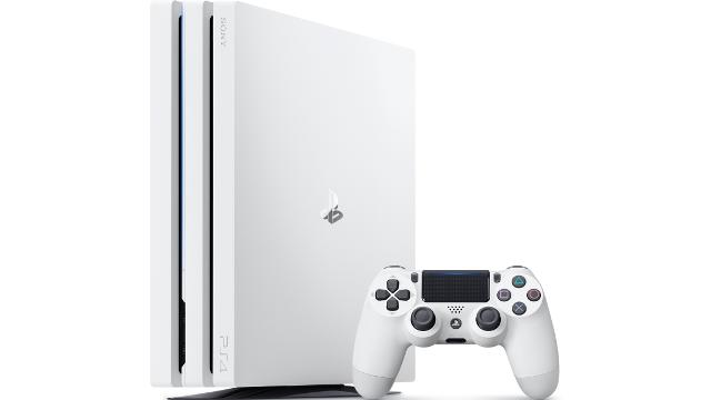 【買おう】「プレイステーション 4 Pro」が5,000円値下げで44980円⇒39,980円に価格改定。「グレイシャー・ホワイト」が通常発売。10/12~。