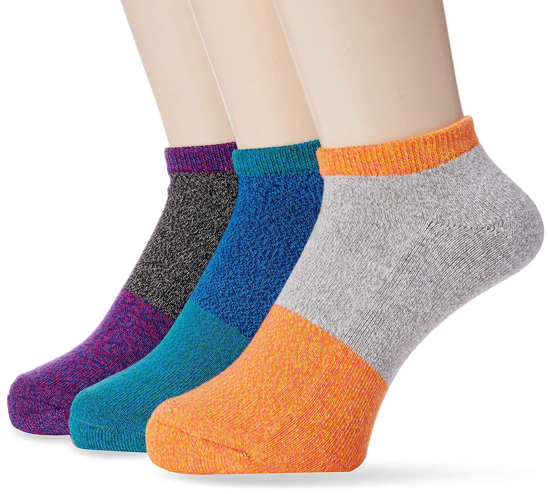 アマゾンでアウトドアプロダクツ ソックス 3足が350円程度で販売中。一番捗るのは全部同じ色で揃えること。