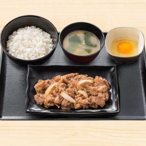 吉野家で牛皿定食が500円にて販売開始。別々に注文するよりも90円お得。牛丼に卵をつけたほうが60円お得。1/7~。