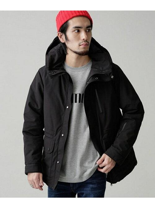 楽天ブランドアベニューでナノユニバースの「中綿T/Cマウンテンパーカー」が19224円⇒8027円。長身+ヒゲ+ニット帽+態度のデカさが似合うぞ。