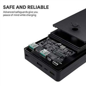 アマゾンタイムセールでAukey モバイルバッテリー 20000mAh Micro / Lightning入力2ポート装備 PB-N36が1599円。