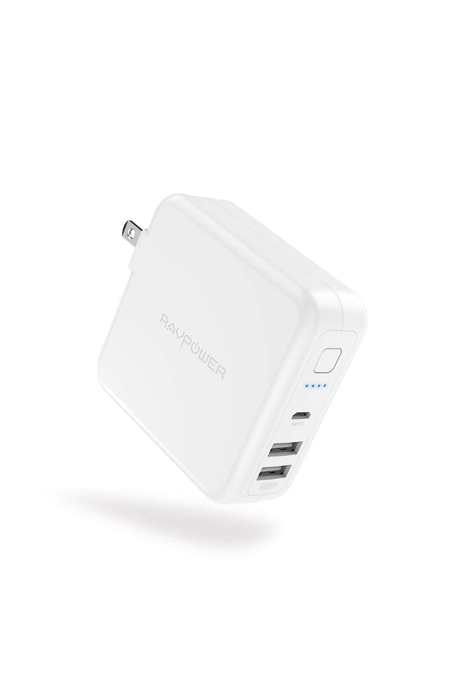 アマゾンでRAVPower モバイルバッテリー 搭載 USB 充電器 6700mAh 急速充電+ACプラグがタイムセール。