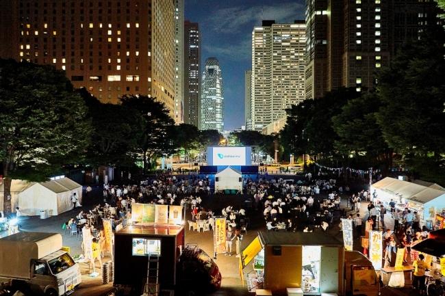 小田急が新宿都庁裏で野外巨大スクリーンで「プラダを着た悪魔」「ザ・グレイテスト・ショーマン」「メン・イン・ブラック」「スタンド・バイ・ミー」を無料放映へ。7/24~7/27。