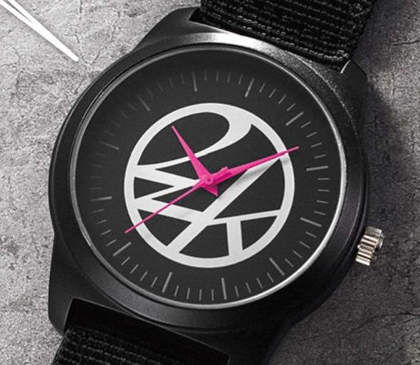 アマゾンで雑誌のsmart(スマート) 2019年 10 月号を買うと、24KARATSのブラックミリタリー腕時計が付録で付いてくる。8/24~。