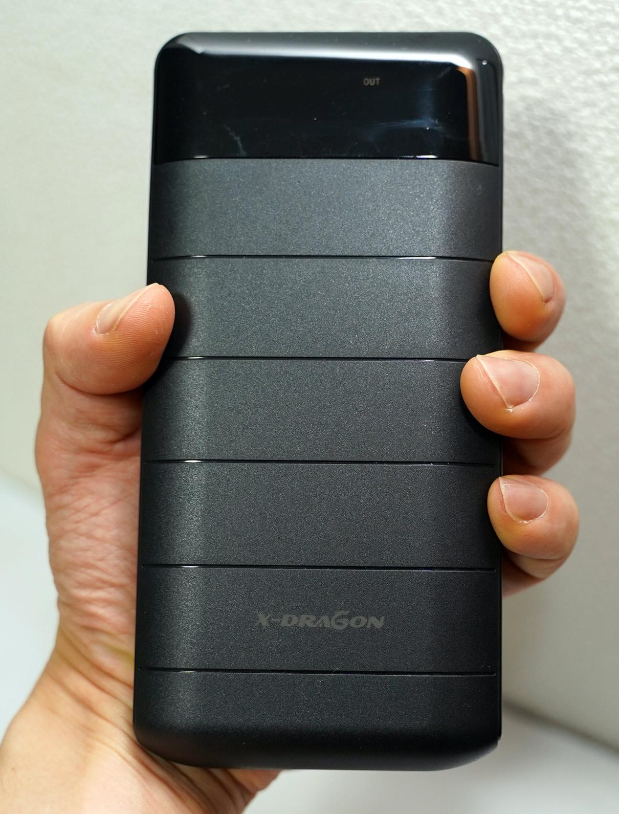【激安中華】【レビュー】モバイルバッテリー X-DRAGON 20100mAhを買ってみた。実測8730mAh。デカすぎ注意。
