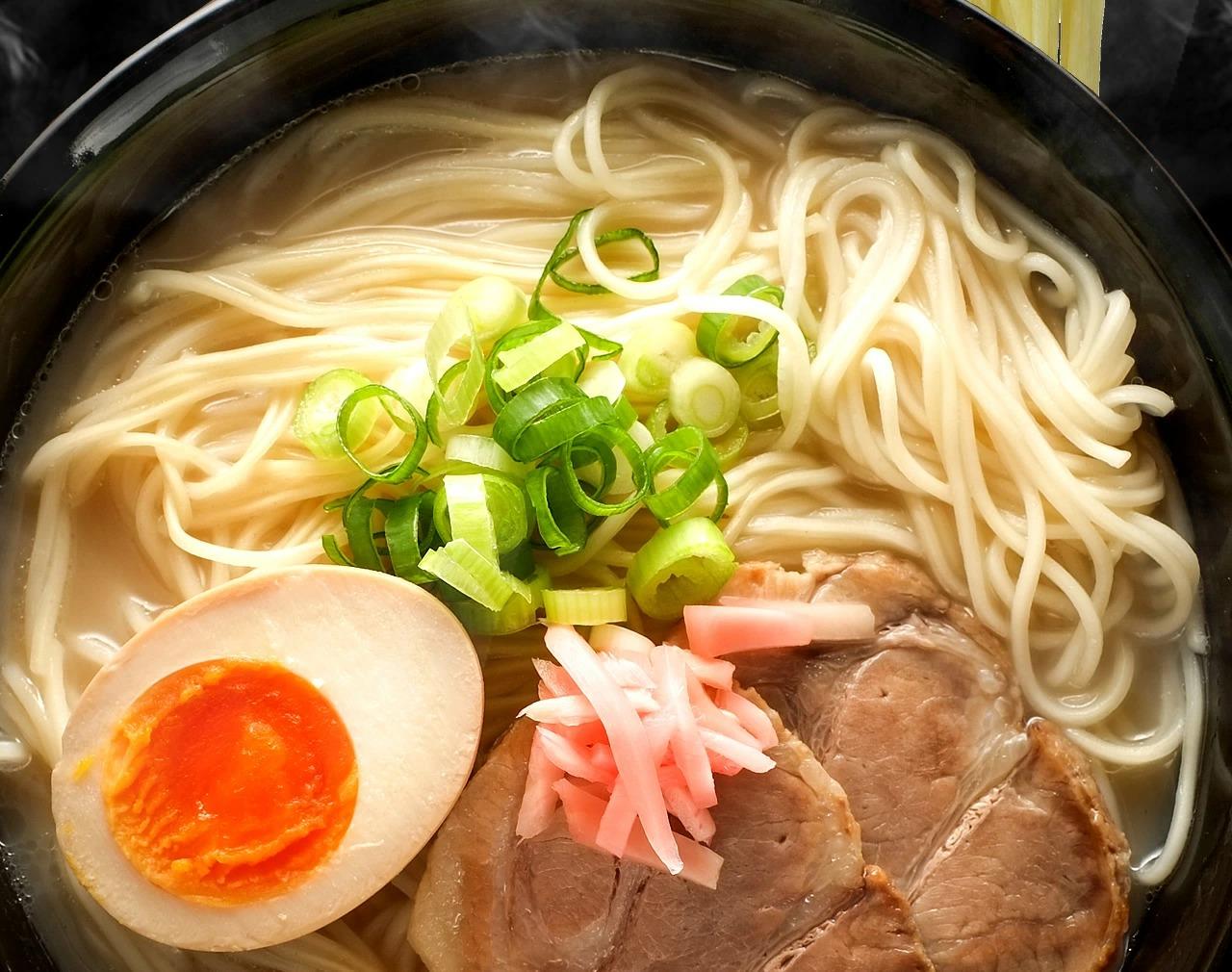 アマゾンで博多長浜 スープ付豚骨ラーメン 5食セットがポイント半額バック。~明日10時。