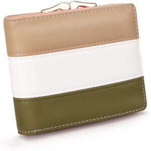 アマゾンでPomelo Best 二つ折りレディース財布が699円。一度も参考価格で販売した実績無し。