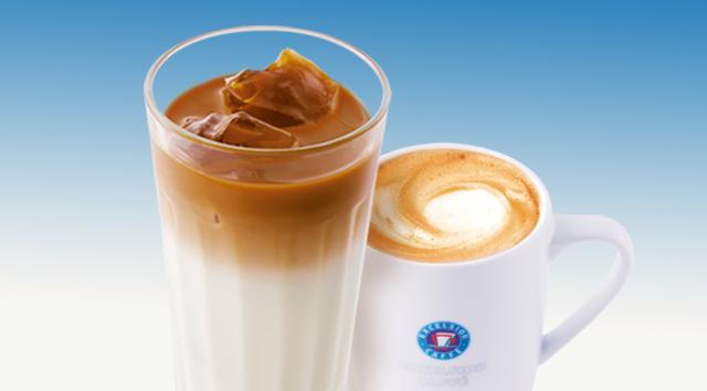 エクセルシオールカフェでカフェラテ、コーヒーのサイズアップクーポンを配信中。ドトールは沖縄県産パインヨーグルト増量。三井住友のVisaタッチ決済が捗るな。